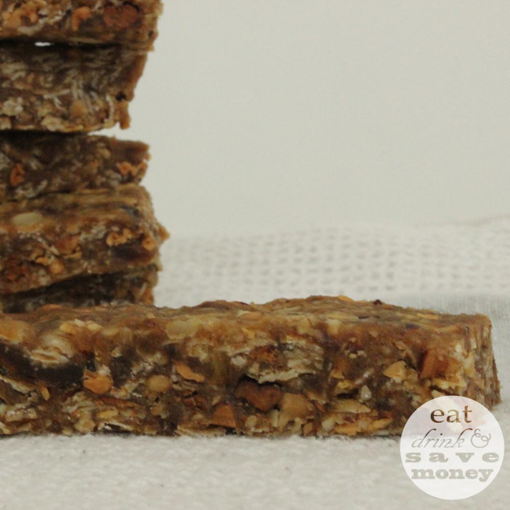 Mixed nuts and dates granola bars