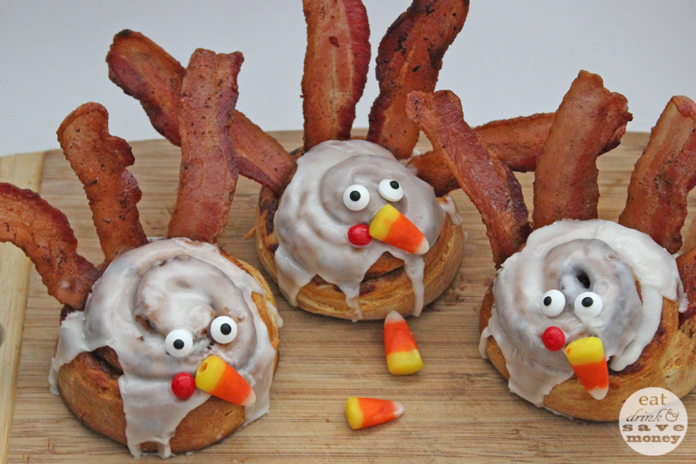 Make cinnamon roll turkeys as a fun family meal to celebrate Thanksgiving