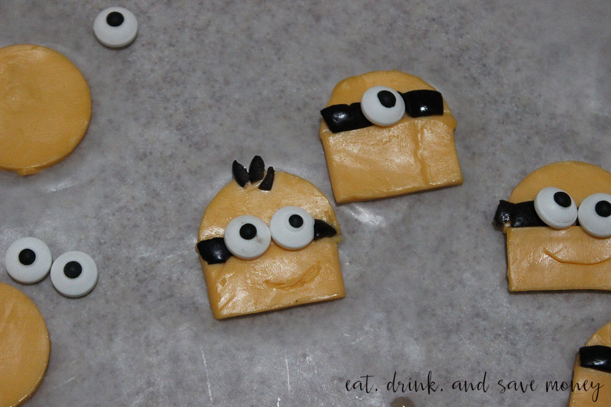 Make cheese and olive minions for a pizza when you do a Minions movie night