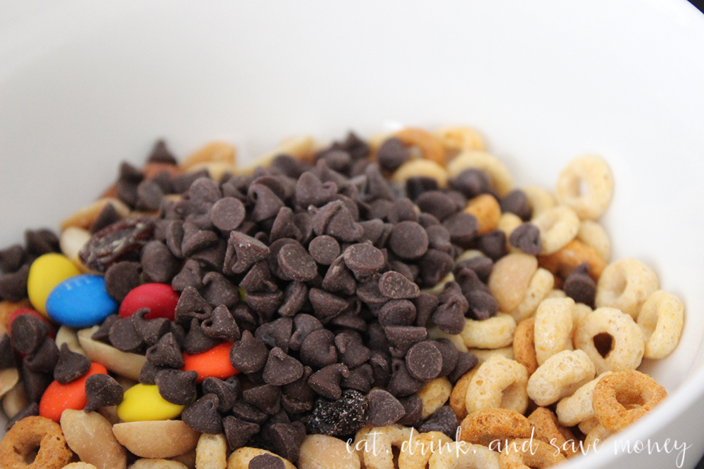 Toddler trail mix made with Cheerios