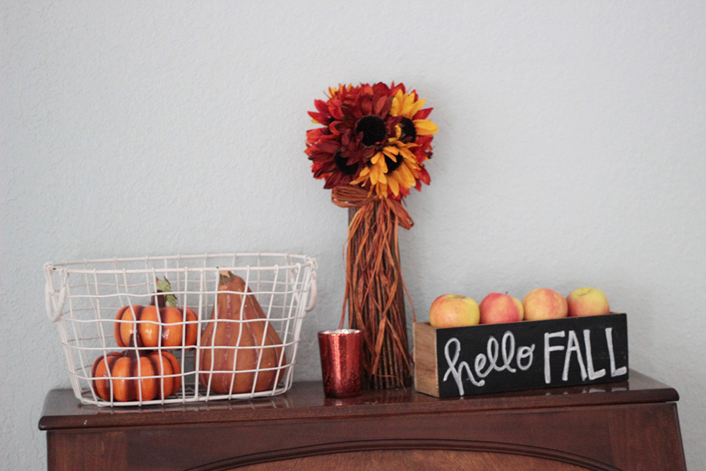 hello-fall-decor