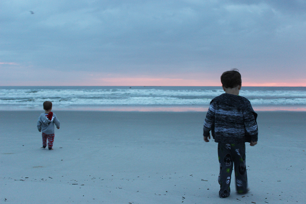 boys-watching-the-sunrise-in-jacksonville-onlyinjax