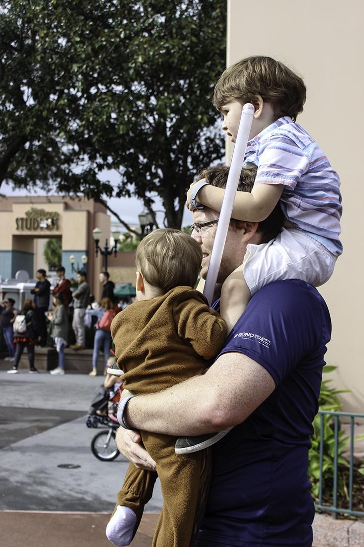 Tom the super dad in Disney World