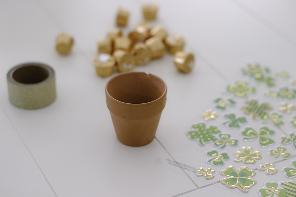 Make your own DIY Pot of Gold this St. Patrick's Day