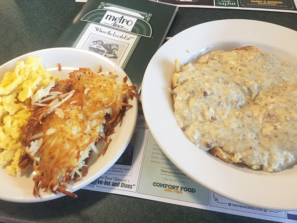 Metro Grill biscuits and gravy