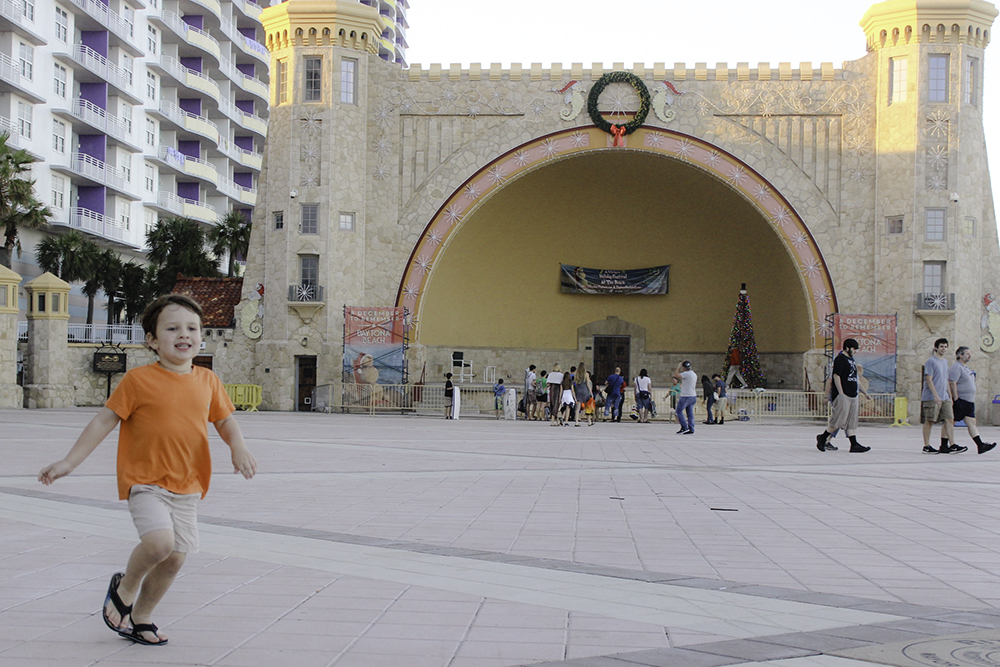 Running around the bandshell at the Ocean Side Shops
