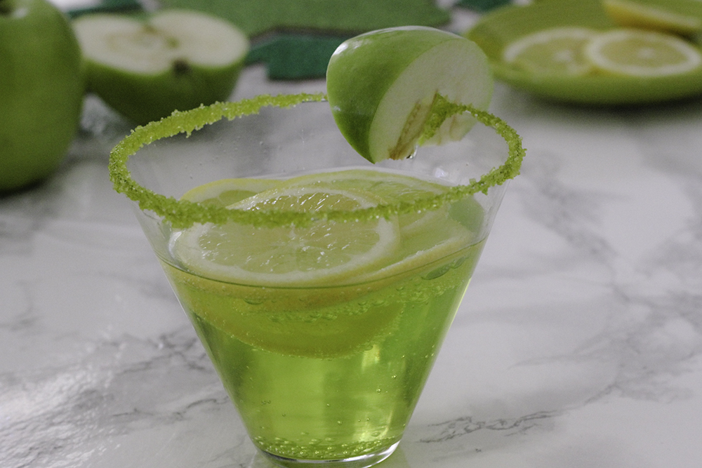 Lucky 7UP Sour Apple Spritzer Recipe