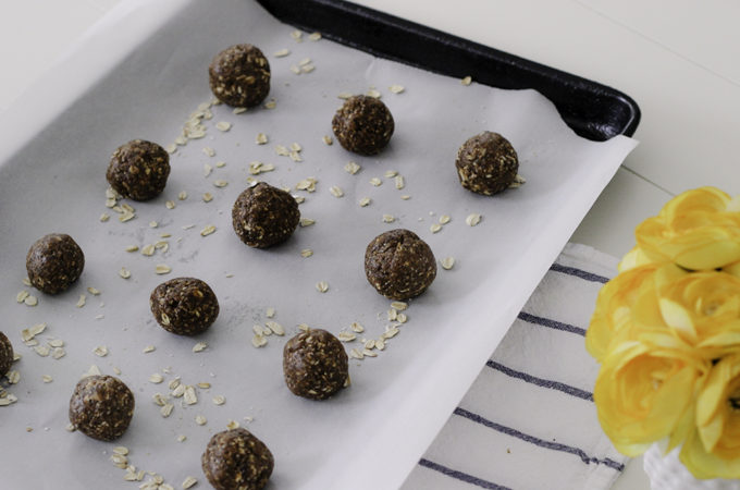 Super easy almond butter protein ball recipe made with Betsy's Best