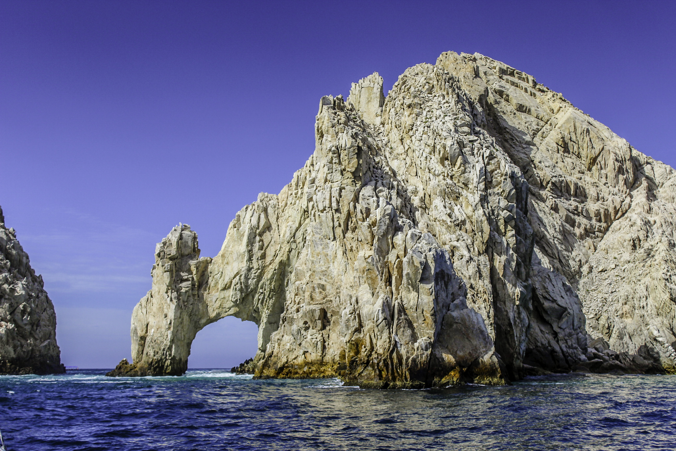 The arch in cabo from the sea of cortez