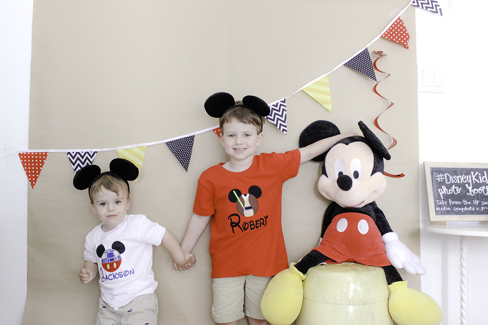 Mickey Themed Party #Disneykids photo booth