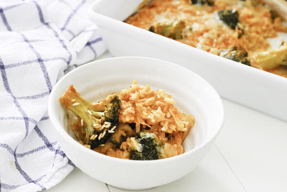 Cheesy Chicken and Brocolli Casserole for dinner
