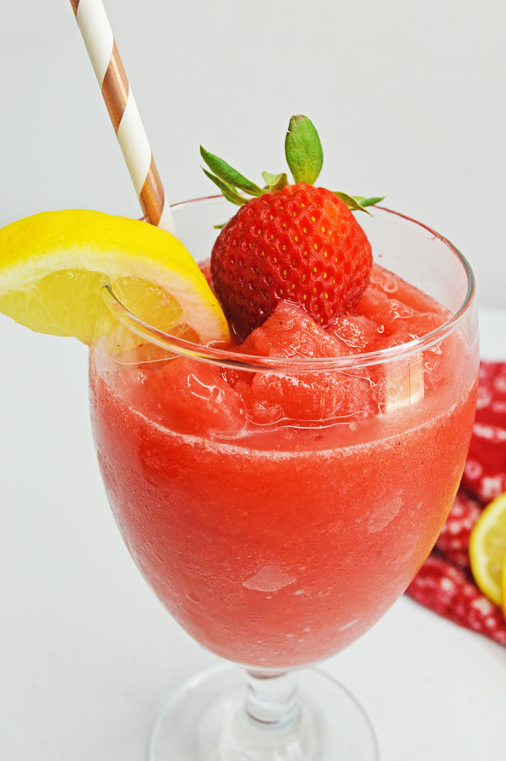 Strawberry lemon daiquiri recipe | Eat, Drink, and Save Money