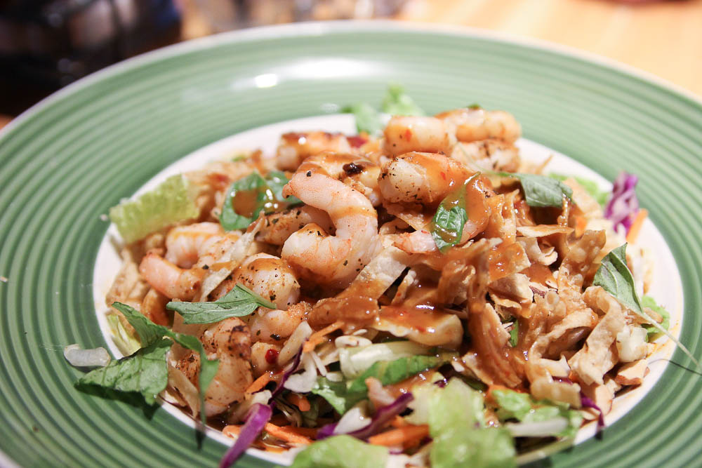 Applebees review thai shrimp salad