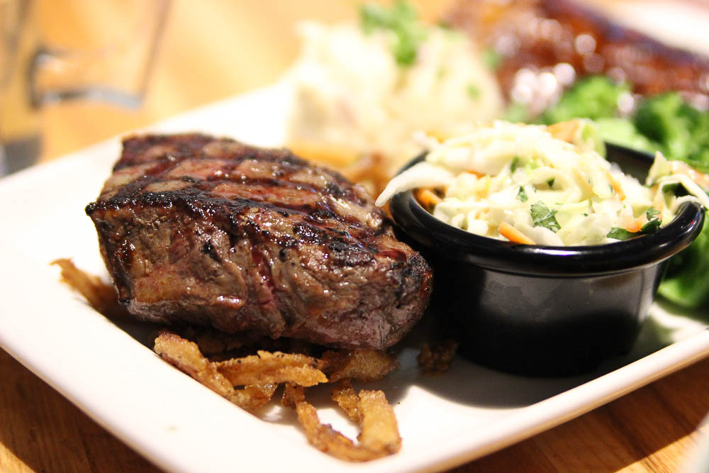 Applebees review bigger bolder combo with steak and ribs