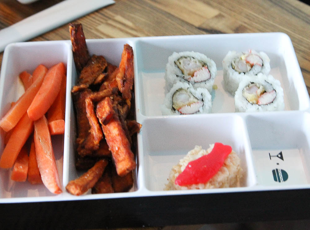 Where to eat at CityWalk Universal | Kid's Bento Box at CowFish