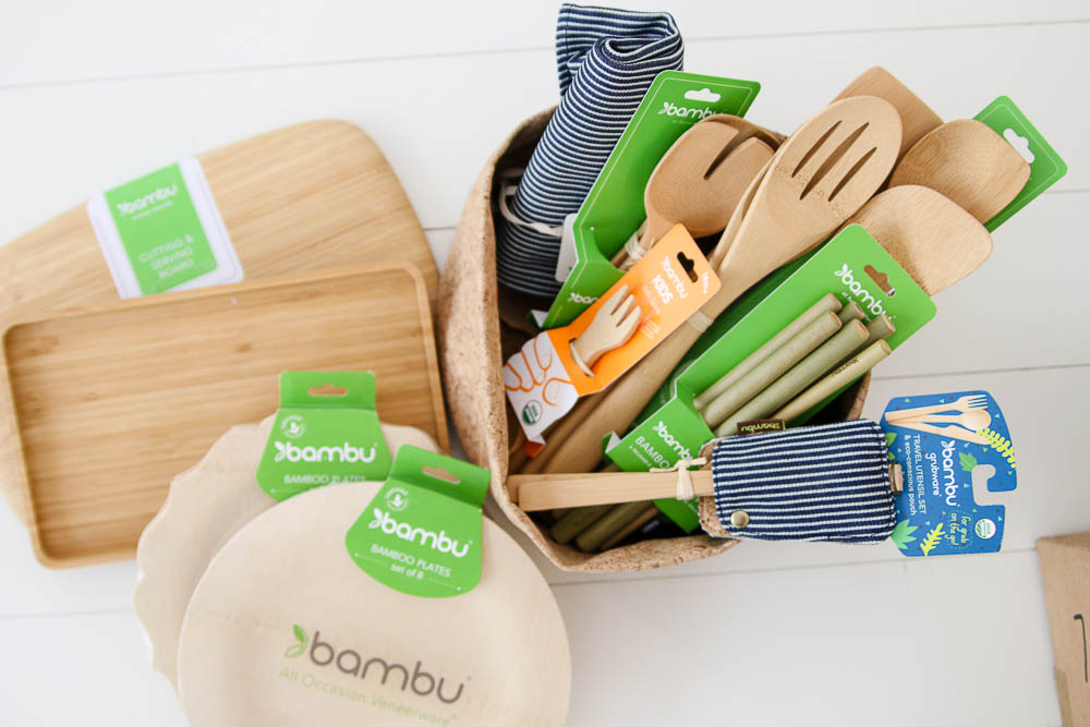 Bambu gift set make of bamboo sustainable dinnerware